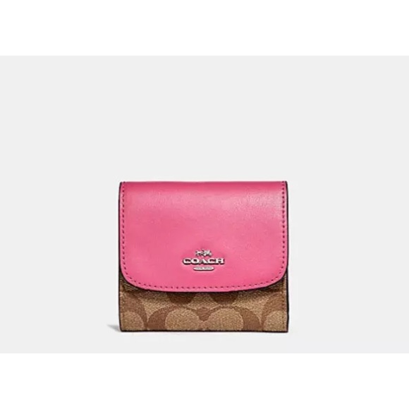 d1f0df790acc3 NWT COACH SIGNATURE LEATHER TRIFOLD SMALL WALLET